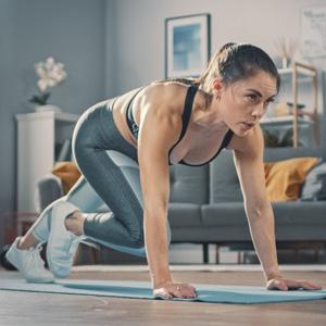 Sterk kropp med treningsmatte