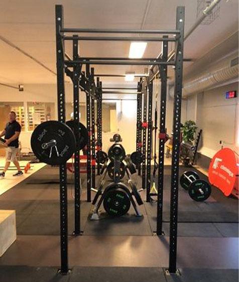 Active Trening Fredrikstad rigger på treningsgulv