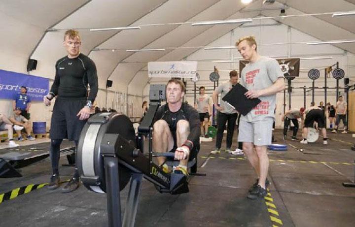 Crossfit TYR trening på romaskin