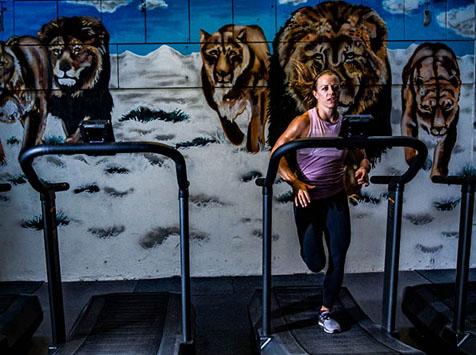 Kristin Holte på Assault Air Runner på crossfit christiania
