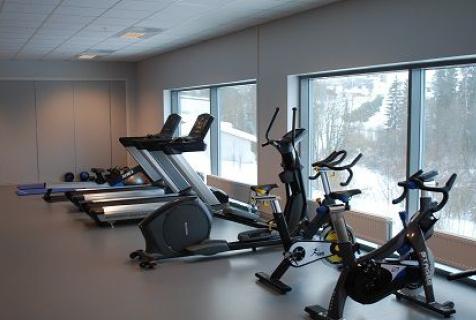 Frogner I.L treningsrom med tredemøller, ellipsemaskin og spinningsykkel