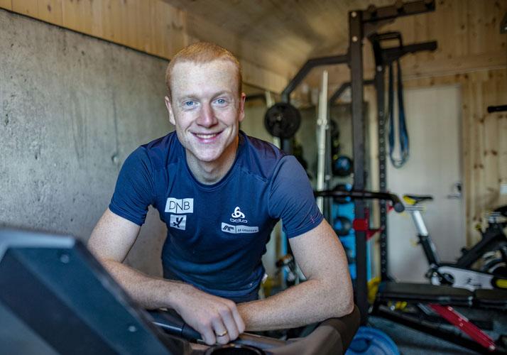 Johannes Thignes Bø i treningsrommet