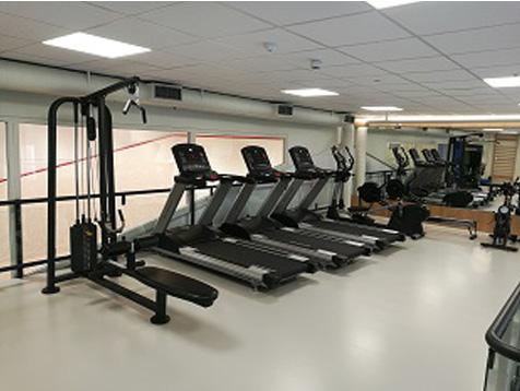 Eiendomshuset Malling treningsrom med tredemøller
