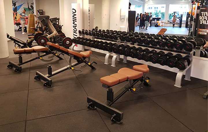 Manualer og treningsbenker på Nr1 Fitness Nøstet