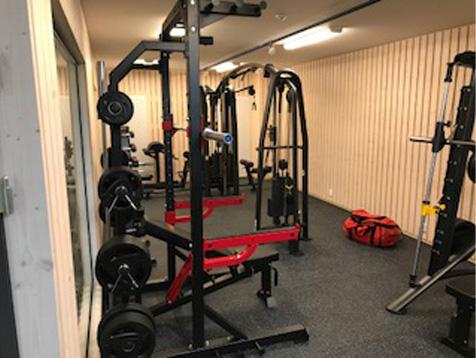 Odda VGS treningsrom med half rack