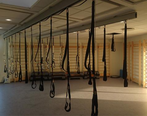 Rykkinn Fysioterapi og Trening treningsrom med slynger