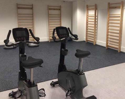 Rykkinn Fysioterapi og Trening treningsrom med ergometersykler