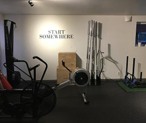 SM Training Kirkenes treningssenter med romaskin