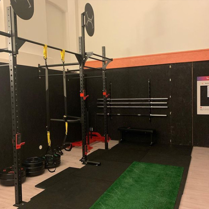 Bilde av styrketreningsutstyr